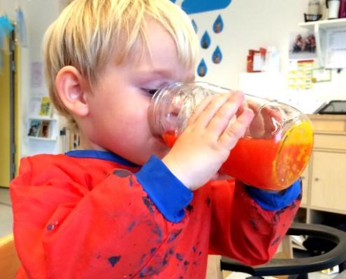 Smake på vann i Drømmehagen barnehage